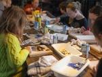 De activiteit 'Glasfusing Workshop' van Atelier AKWAABA wordt u aangeboden door dekleineladder.nl uit Haarlem
