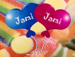 Snoepgoed & Feestartikelen | Jami Jami in Haarlem-Noord In onze gezellige en vrolijke winkel verkopen wij diverse heerlijke lekkernijen, zo hebben wij bijvoorbeeld veel soorten drop en ander snoepjes. Ook hebben we een breed assortiment in feestartikelen, waaronder; slingers, ballonnen, baby geboorte artikelen en nog veel meer.