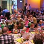 De activiteit '2 turven hoog | Theater paasontbijt' van Toneelschuur wordt u aangeboden door dekleineladder.nl uit Haarlem