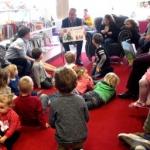 De activiteit 'Twee burgemeesters van Zandvoort lezen voor' van Bibliotheek Zandvoort wordt u aangeboden door dekleineladder.nl uit Haarlem
