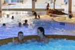 Vrij zwemmen bij Boerhaavebad Haarlem. Op deze momenten kun je zelf bepalen wat je gaat doen: zwemmen, spelen of luieren. Van piepjonge kinderen tot en met hun opa's en oma's en alle leeftijden daar tussenin: kom genieten van hetgeen het Boerhaavebad voor jou in petto heeft.<br>Kinderen tot 3 jaar gratis