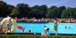 De activiteit 'Recreatief Zwemmen | Buitenbad' van Zwembad de Heerenduinen wordt u aangeboden door dekleineladder.nl uit Haarlem