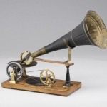 De activiteit 'Kunst en Vliegwerk: Bouw je eigen grammofoon (4+)' van Teylers Museum wordt u aangeboden door dekleineladder.nl uit Haarlem