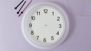 Het demonteren van de klok