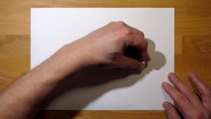 Pak een stevig stuk papier en teken hier met kaarsvet op
