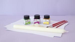 Deze spullen heb je nodig om samen met je kind zo'n prachtige tovertekening te maken met ecoline en kaarsvet