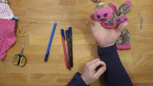 Nu kun je lekker gaan spelen met je zelfgemaakte sokpop