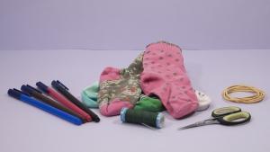 Met wat simpele spullen kun je al heel snel deze leuke sokpopjes maken